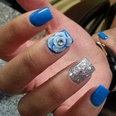 70 Most Lovely And Gorgeous Floral Nails Inspirational Ideas You May Love - Page 46 of 68 - Diaror Diary Nail Design Gold, Tribal Nail Designs, Gradient Nail Design, Dot Nail Designs, New Nail Art Design, Green Nail Designs, Classy Nail Designs, Pretty Nail Designs, Gold Glitter Nails