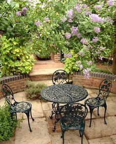 90 Beautiful Small Cottage Garden Ideas for Backyard Inspiration Gartengestaltung 🌱 Sunken Patio, Sunken Garden, Walled Garden, Backyard Retreat, Backyard Landscaping, Small Cottage Garden Ideas, Garden Seating, Garden Stones, Garden Planters