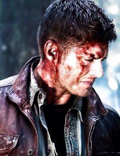 Jensen Ackles ( Dean Winchester )