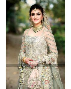 Walima Reception Clicks of Former Chief Justice Saqib Nisar Son Najam Pakistani Bridal Dresses, Pakistani Dress Design, Nadia Hussain, Kinza Hashmi, Mehndi Style, Chief Justice, Walima, Trending Videos, Bridal Looks