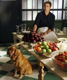 Ned the Pie-Maker (Lee Pace) an Digby at the Pie Hole. Pie Recipes, Sweet Recipes, Catering, Pushing Daisies, Pie Hole, Berry Pie, Lee Pace, Recipe Details, Pie Dessert