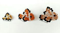 Nós trabalhamos com 3 tipos de pedraria, as miçangas (mini e normal), as bolinhas e os cristais. Esse é o Nemo feito com cada tipo 🐠🐠🐠