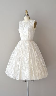 lace 50s wedding dress / 1950s dress / Be Near Me. $265.00, via Etsy.