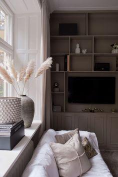 Interior Design Guide, Modern Home Interior Design, Contemporary Interior, Interior Architecture, Interior Decorating, One Room Apartment, Living Room Interior, Home Furnishings, Decoration