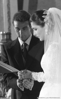 Enrique Ponce and Paloma Cuevas married in the Cathedral of Valencia | Valencia 1996