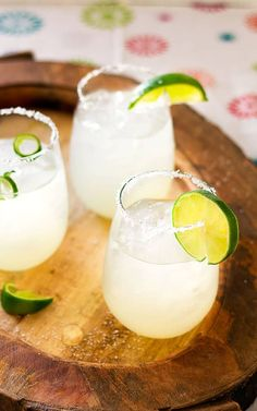 Make this delicious and refreshing Limeade Margarita Recipe right at home with just 3 simple ingredients! Mexican Margarita Recipe, Margarita Recipes, Mom Birthday, Birthday Ideas, Limeade Margarita, How To Make Margaritas, 3 Ingredients, Iowa, Glass Of Milk