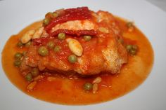 bacalao de carnaval. Asian Recipes, Ethnic Recipes, Tasty Dishes, Thai Red Curry, Chicken, Meat, Food, Spanish, Gastronomia