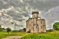Nereditsa Church just a mile outside Novgorod was less lucky. Its fantastic paintings were destroyed during heavy fighting in WWII.