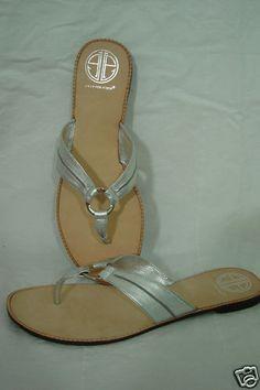 9c97fa90aca16  109.99 NIB Lilly Pulitzer McKim McKim Leather Sandals Thong - Silver Flat  12 - HARD TO