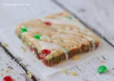 M Cookie Bars from I Heart Nap Time at Chef in Training. These make the perfect treat for any holiday party and also make great neighbor gifts! Cookie Desserts, Holiday Desserts, Holiday Baking, Cookie Bars, Holiday Treats, Just Desserts, Holiday Recipes, Cookie Recipes, Delicious Desserts