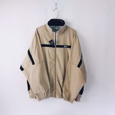 Dope Outfits For Guys, Uni Outfits, Everyday Outfits, Outfits For Teens, Cool Outfits, Vintage Nike Jacket, 80s Fashion, Fashion Outfits, Streetwear Jackets
