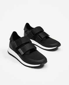 ZARA - MAN - LIGHTWEIGHT OPEN BLACK SNEAKERS