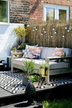 Garden Design The gold accents really make this design pop. I don't think there is any better way of getting the family outside than having beautiful garden furniture. - My boho glam summer garden is revealed kicking off Outdoor Rugs, Outdoor Sofa, Outdoor Living, Outdoor Decor, Diy Garden Furniture, Outdoor Furniture Sets, Furniture Ideas, House Furniture, Origami Furniture