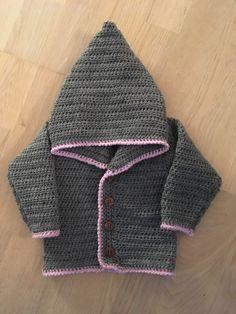 Cardigan med hætte – til de små drenge eller piger - Garn Grammatik Crochet For Boys, Crochet Baby, Knit Crochet, Chrochet, Baby Boy, Diy Crafts, Knitting, Sweaters, Babies