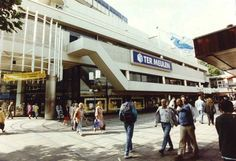 Rotterdam - Binnenwegplein. Winkel 'Ter Meulen'