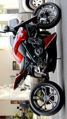 Motorcycle Types, Motorcycle Design, Bike Design, Motorcycle Travel, Kawasaki Motorcycles, Custom Motorcycles, Motorcross Bike, Bagger Motorcycle, Cafe Racer Motorcycle