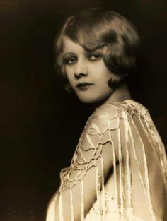 Kay English, 1920s