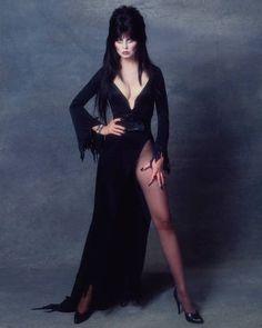 Elvira Mistress Of The Dark Pictures and Photos Goth Beauty, Dark Beauty, Elvira Costume, Elvira Movies, Vampires, Cassandra Peterson, Dark Pictures, Stock Pictures, Sexy Older Women
