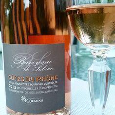 Côtes  du Rhône Rosé Baronnie de sabran vignerons des 4 Chemins #wein #rose #cotesdurhone #4chemins #erfrischend #rosewine #lecker #weinkultur #frankreich #rhone #syrah #shiraz #grenache #cinsault #cuvee #sommer #erfrischung