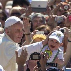 El Papa: La Iglesia tiene las puertas abiertas, si las cierra se vuelve museo | Vatican Insider