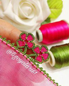 Görüntünün olası içeriği: çiçek Saree Kuchu Designs, Blouse Designs, Knitted Shawls, Knitted Poncho, Knit Shoes, Art Techniques, Knitting Socks, Sweater Design, Elsa