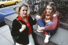 Portrait of teenaged American actress and model Brooke Shields and her mother Teri Shields , New York, New York, Get premium, high resolution news photos at Getty Images Old Actress, American Actress, Child Models, Role Models, Brooke Shields Blue Lagoon, Brooke Shields Young, Brooke Shields Daughter, Pretty Baby 1978, Most Beautiful Child
