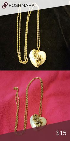 """Vintage Avon Lustrous Heart Pearl Necklace Vintage Avon 30"""" chain, heart measures 1 -1/4"""" x 1-1/4"""". Piece of jewelry that goes with about anything. Dress up or down. Avon  Jewelry Necklaces"""
