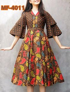 58 best ideas for dress occasion full skirts Stylish Dresses, Simple Dresses, Model Dress Batik, Modern Batik Dress, African Fashion Dresses, Fashion Outfits, Emo Outfits, Dress Batik Kombinasi, Mode Batik