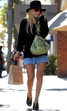 11 Ways To Wear Denim Shorts Like Mary Kate Olsen Hat Green Balenciaga Bag photo 11-Ways-To-Wear-Denim-Shorts-Like-Mary-Kate-Olsen-Hat-Green-Balenciaga-Bag.jpg