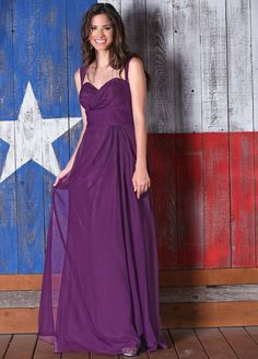 Chiffon long dress with sweetheart neckline and removable straps.