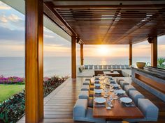A paradise on earth at Villa Istana offers an exclusive dining area surrounded by specular Indian Ocean view in Bali . http://www.thebaliluxuryvillas.com/villa/villa-istana/  #villarental   #luxury   #dining   #Bali