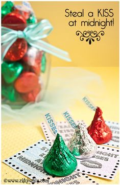 """Ring in the New year with these festive Kisses and free printables that read: """"Steal a kiss at midnight!"""" From cakewhiz.com"""