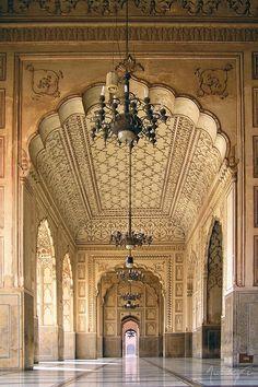 ❀-Building-00307❀ uncommonjones:  Badshahi Masjid - Interior by Mustafa Pracha Lahore, Pakistan