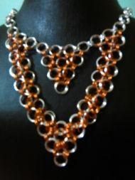 Χειροποίητο κολιέ σε μοντέρνο σχέδιο Handmade Jewelry, Pendants, Chain, Bracelets, Earrings, Silver, Ear Rings, Stud Earrings, Handmade Jewellery