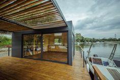 DOC - Temporary Floating House,GIF 01. Image Courtesy of Lime Studio
