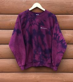 Acid Wash Jeans Outfit, Champion Clothing, Champion Sweatshirt, Dope Fashion, Dress For Success, Jean Outfits, Streetwear Fashion, Diy Clothes, Distressed Clothes