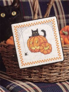 Punkin Kat; freebie cross stitch pattern and other free patterns at this…