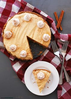 No-bake, creamy, loaded w/ spices & full of whipped cream--you won't believe this Allergy-friendly Pumpkin Mousse Pie is gluten & dairy-free. Best Pumpkin Pie Recipe, Homemade Pumpkin Pie, Biscuits, Gluten Free Gingerbread, Pumpkin Mousse, Easy Pie, Cupcakes, Dairy Free Recipes, Vegan Recipes