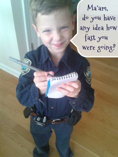 easy DIY police officer uniform costume with how to get free authentic badges/patches for YOUR city | COOL!