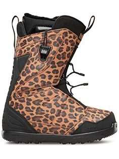 a96bd15da1d Amazon.com   Thirtytwo Lashed Fast Track Women s Snowboard Boots   Sports    Outdoors
