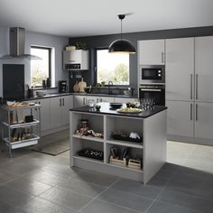Grey or white? Whatever colour you chose, our balsamita range will give you a reason to up your dinner party game. The matt finish creates a smooth, uniformed look in any light and hides smudges and fingerprints. Budget Kitchen Remodel, Kitchen On A Budget, Diy Kitchen, B&q Kitchens, Gray And White Kitchen, L Shaped Kitchen, Base Cabinets, Cabinet Doors, Fingerprints