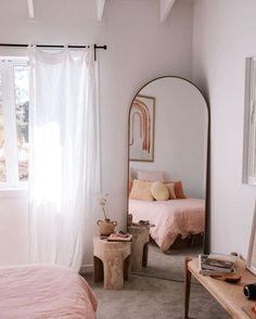Home Decoration Themes Boho Beach Bedroom Ideas and Inspiration Room Ideas Bedroom, Small Room Bedroom, Home Decor Bedroom, Budget Bedroom, Small Rooms, Bedroom Wall, Mirror For Bedroom, Bedroom Inspo, Bedroom Beach