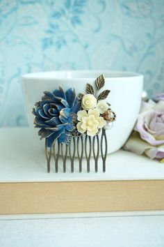 Hey, I found this really awesome Etsy listing at https://www.etsy.com/listing/247406274/wedding-comb-blue-gold-ivory-leaf-comb