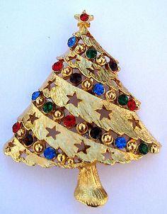 Vintage Rhinestone Christmas Tree Pin Brooch Signed J J