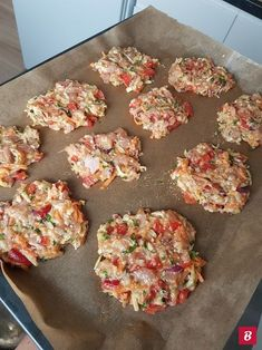 FIT placuszki drobiowe z warzywami i serem – Mocne Kalorie FIT chicken fritters with vegetables and cheese – Mocne Kalorie Easy Chicken Recipes, Beef Recipes, Cooking Recipes, Healthy Recipes, Good Food, Yummy Food, Food Challenge, Best Appetizers, Healthy Meal Prep