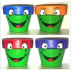 Some more pots that I have painted ! Flower Pot Art, Flower Pot Crafts, Clay Pot Crafts, Painted Plant Pots, Painted Flower Pots, Painted Pebbles, Flower Pot People, Clay Pot People, Decorated Flower Pots