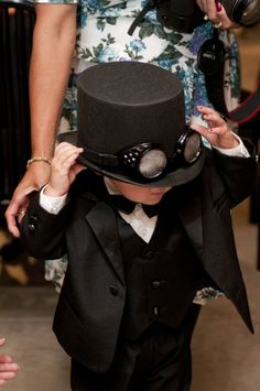 A steampunk soiree with an amazingly detailed cake | Offbeat Bride