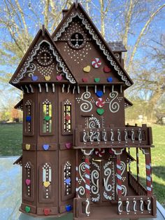 Cool Gingerbread Houses, Christmas Gingerbread House, Dollhouse Furniture, Dollhouse Ideas, Coloured Icing, Welcome Mats, Woman Painting, Baby Bows, Paint Colors