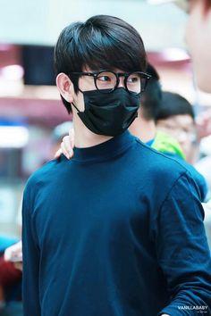 jinyoung lindo até de máscara momentos de sofrimento