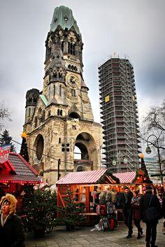 https://flic.kr/p/QckA1P | Weihnachtsmarkt Kurfürstendamm   | Tannenbaum  |   Christkindlmarkt | Terror | RIP | We visited this landmark spot in Berlin location just 4 days ago.  We are so sorry for the deaths, the injured, and their families.  The terrorist attack happened  exactly here on 19th December 2016.